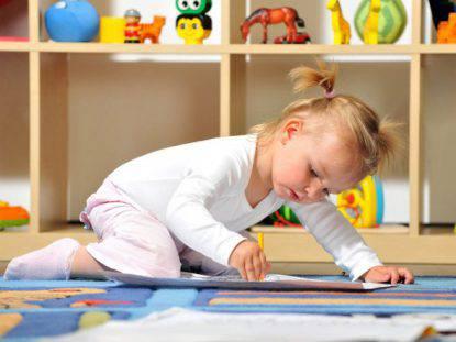 Mettere in ordine: come insegnarlo a bambini grazie al metodo Montessori